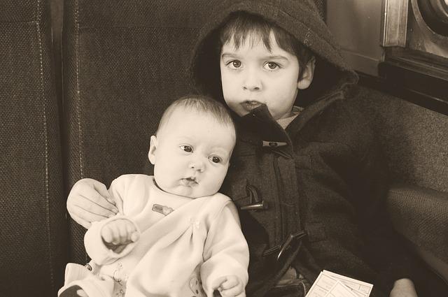 foto sourozenců