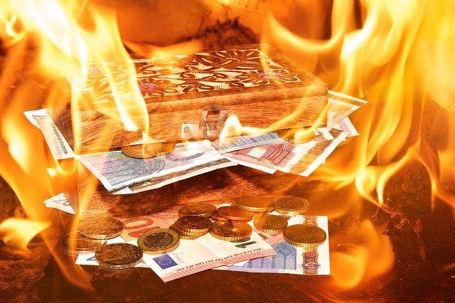 hořící peníze