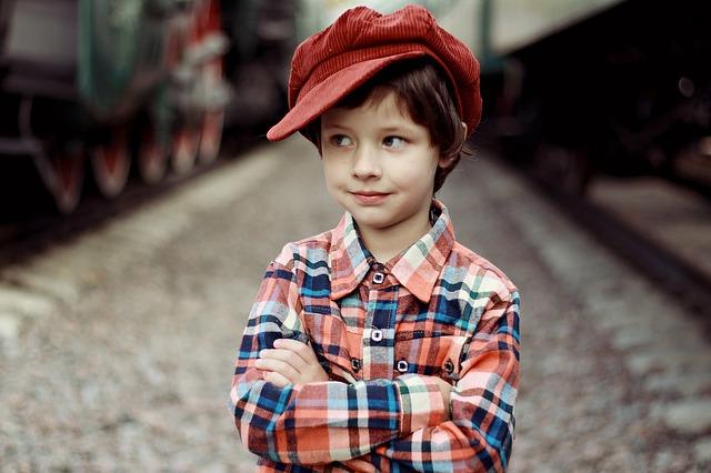 chlapec v košili.jpg