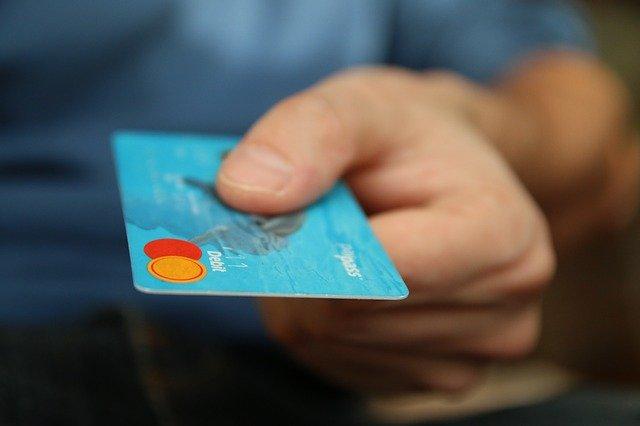 platit kartou