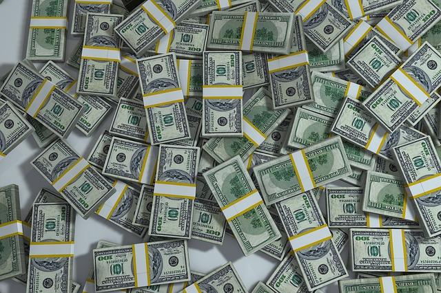 hromada peníze