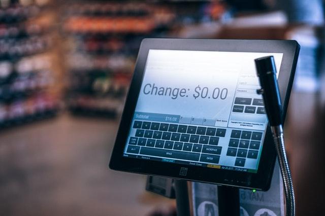 cena na obrazovce