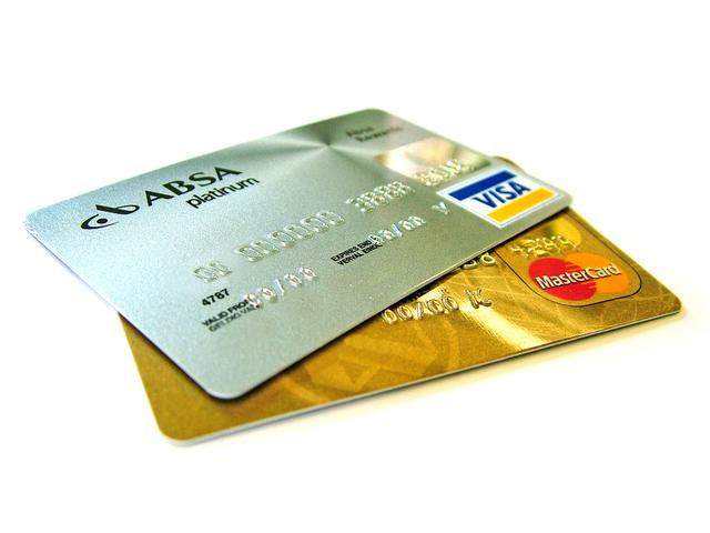 zlatá a platinová kreditní karta