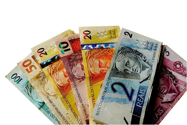 Měny v různých hodnotách